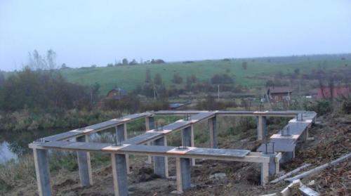Проект дома на склоне. Фундамент на склоне: подбор и монтаж подходящего типа основания