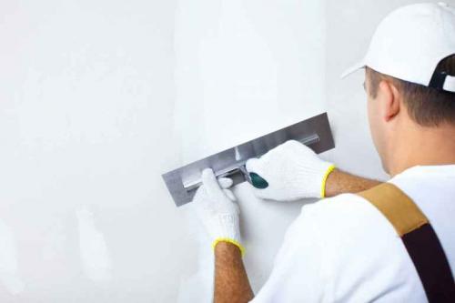 Сколько раз грунтовать стены. Сколько раз надо грунтовать стены перед выравниванием штукатуркой