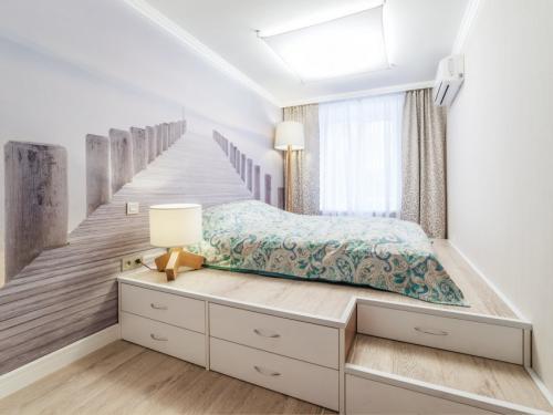Темная кровать и светлая мебель. Светлая спальня – 140 реальных фото эксклюзивного дизайна в светлых тонах