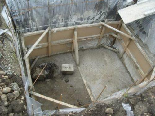 Как сделать под домом погреб. Подготовка к строительству заглубленного хранилища под жилым домом