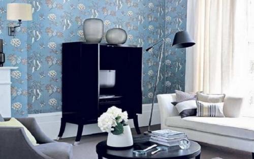Комната с голубыми обоями. Варианты комбинирования