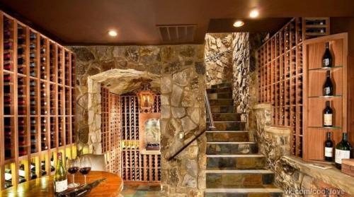 Вход в подвал внутри дома. Подвал: тонкости проектирования и создания подвального помещения