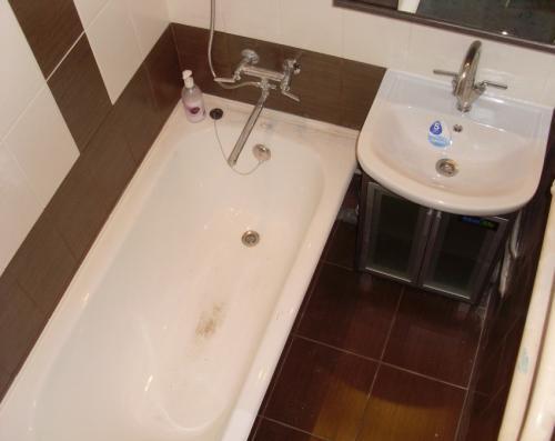 Как избавиться от налета в ванной. Налет в ванной: как просто и быстро удалить налет своими руками. Советы по выбору средств для уходу за кафелем и ванной