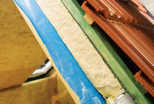 Потолок в пристрое своими руками. Особенности перекрытия деревянной постройки
