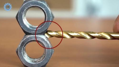 Приспособления для заточки сверл по металлу своими руками. Процесс изготовления
